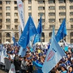 Salariaţii Dacia proteastează mâine la Mioveni