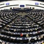 Cetăţenii UE care se mută în alt stat vor putea să îşi transfere toate drepturile la pensie