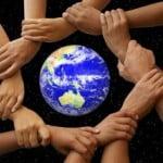 Decizia de cumpărare online, influenţată de activităţile de CSR