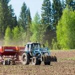 Acciza la motorina utilizată în agricultură va fi redusă din 2015
