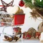 Pregătirile din supermarketuri de Sărbători sunt în toi
