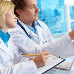 Aproape 2500 de medici au plecat în 2014 să lucreze în străinătate