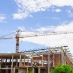 Volumul lucrărilor de construcţii, în scădere în 2014