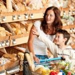 Cât de des merg românii la cumpărături?