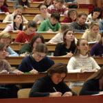 ANOSR: Universitățile care școlarizează studenți în afara legii trebuie să fie sancționate mai aspru