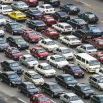 Câţi români deţin o maşină?