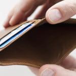 Câţi bani au economisit românii în luna august?