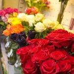 Sfinţii Mihail şi Gavriil. Vânzările de flori vor avea o creştere importantă