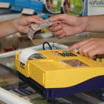 Câţi români şi-au plătit facturile la terminalele PayPoint?