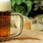 """Românii încep să consume alcool de la 14 ani. Spirits România: """"Este îngrijorător"""""""