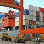 Creştere importantă a importurilor şi exporturilor României