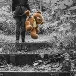 Prea mulţi copii sunt expuşi riscului de sărăcie