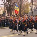 Peste 2.600 de militari participă la Parada militară de Ziua Naţională