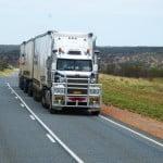Transportatorii anunţă un protest de amploare din cauza majorării tarifelor RCA