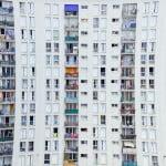 Câte locuinţe s-au construit în primele trei luni din 2018?