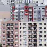 Câte locuinţe s-au construit în România în ultimii 30 de ani?