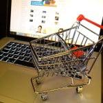 Secolul vitezei: Cumpărăturile online efectuate de români au depăşit 1,4 miliarde euro, în 2016