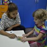 """Terapie gratuită pentru copiii cu autism, prin programul """"Părinte pentru Părinte"""""""