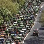 MAE: Sute de fermieri vor manifesta luni la Bruxelles