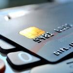 Încurajarea plăţilor cu cardul poate reduce evaziunea fiscală