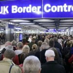 Doar 10% din românii din Anglia au drept de rezidență permanentă