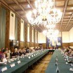Întâlnire între prim-ministru, sindicate şi patronate. Ce teme au discutat?