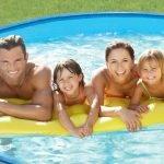 Hornbach: Tot mai mulți romȃni aleg să ȋși amenajeze piscine moderne în curte