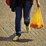 Pungile din plastic subţire vor fi interzise în România