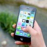 Piața de smartphone-uri din România, creştere peste aşteptări. Ce telefoane preferă românii?