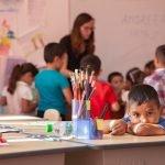 Programul Teach for Romania primeşte 270.000 de euro de la Lidl şi clienţii săi