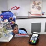 Poşta Română introduce plata cu cardul