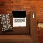 Cum programezi un laptop să se închidă singur?