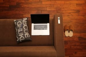 Cum programezi un laptop sa se inchida singur