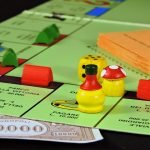 Monopoly Deal a fost lansat și în România