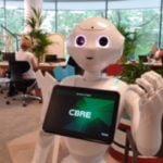 PepperEscu, primul robot care lucrează într-o companie imobiliară din România