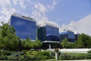 West Gate extinde parteneriatul cu Accenture Services