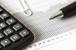 """Deficitul contului curent al balantei de plati"""""""