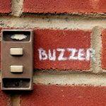 Factori de luat în calcul la achiziționarea de buzzere și alarme sonore
