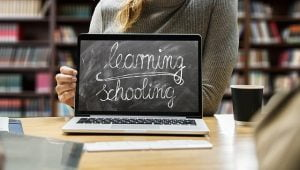 Scoli in scenariul rosu - Ministerul Educatiei